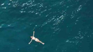 मालदीव में सारा अली खान ने शूट कराया VIDEO, समुद्र के बीचोबीच आराम फरमाती आईं नजर