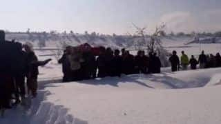 Jawans Carry Pregnant Woman in Heavy Snowfall, PM Modi Hails Army's Humanitarian Spirit