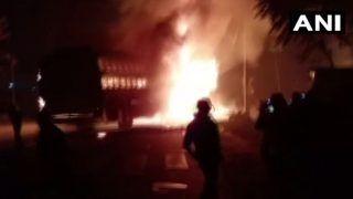 UP: कन्नौज में बड़ा हादसा, बस-ट्रक की टक्कर से लगी भीषण आग, 20 लोगों के मरने की आशंका