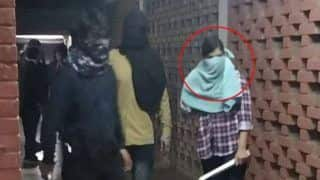 JNU Violence: 'Not Me,' ABVP's Komal Sharma Denies Being Masked Woman in Viral Video, Approaches NCW