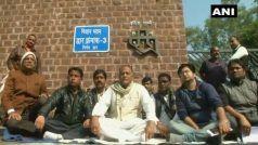 मध्य प्रदेशः धरने पर बैठे कांग्रेस विधायक मुन्नालाल गोयल, बोले- सीएम अपने वादे को याद करें
