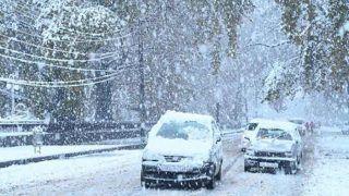पाकिस्तान में भारी बर्फबारी, बारिश से करीब 75 लोगों की मौत, 40 से ज्यादा घायल