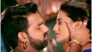 Bhojpuri Gana 2020: पवन सिंह ने अक्षरा सिंह को किया Kiss.. kiss, एक्ट्रेस बोलीं- तनी बदले दी करवटिया