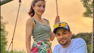 Soha Ali Khan's Latest Mushy Picture With Kunal Kemmu From Sydney Will Convince You 'Summertime' is Here!