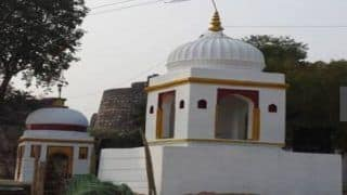 बुंदेलखंड: गांव को कोरोना से बचाने के लिए 8वीं की स्टूडेंट ने जीभ काटकर मंदिर में चढ़ाई, मांगी थी मन्नत