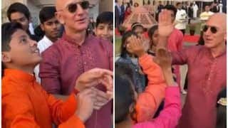 Watch | Amazon CEO Jeff Bezos Flies Kites With Kids in Delhi, Says 'It Brings Back Memories'