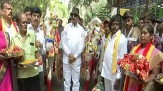 'Raja Weds Rani': Bengaluru Man Conducts Marriage Ceremony of Two Horses On Valentine's Day!
