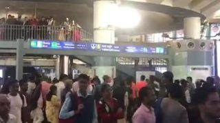 राजीव चौक मेट्रो स्टेशन पर लगे 'गोली मारो...' के नारे, हिरासत में लिए गए 6 लोग | देखें वीडियो
