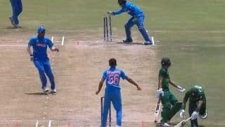 India vs Pakistan ICC U19 World Cup Semi-Final: Rohail Nazir-Qasim Akram Involved in Comical Runout Steals Show at Potchefstroom | WATCH VIDEO