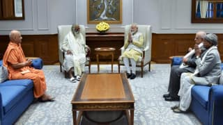 Ram Temple Trust Members Meet PM Modi, Invite Him to Ayodhya For 'Bhoomi Pujan'
