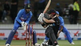 New zealand vs india 2nd odi ross taylor martin guptill help kiwis score 273 8 3935725