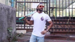Watch Ranveer Singh's Swag as he Promotes Sports Movie 83 in Juhu