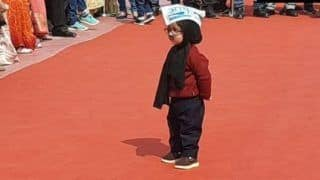 'Little Mufflerman' Attends Kejriwal's Oath-Taking Ceremony, Steals the Show Yet Again