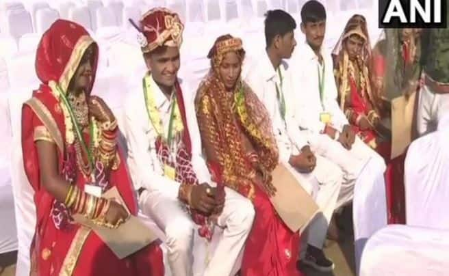 1100 Hindu Muslim Couples Tie Knot At A Mass Wedding Ceremony In Ahmedabad