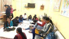 दान की किताबों से बना दी 'ज्ञान गंगोत्री', लड़कियों को 24 घंटे मिली लाइब्रेरी की सुविधा