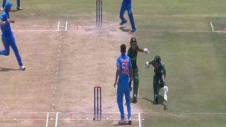 पाक खिलाड़ियों का मजेदार क्रिकेट, एक ही विकेट की तरफ रन लेने दौड़ पड़े दोनों बैट्समैन, कॉमेंट आया- तुमसे न हो पाएगा