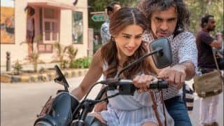 Sara Ali Khan Learning to Ride Bike From Imtiaz Ali is Funniest Thing on The Internet Today!