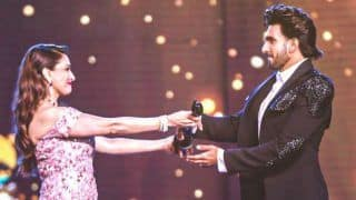 'Etched in my Heart Forever'! Ranveer Singh Makes a Beautiful Post About Receiving Filmfare Trophy From Madhuri Dixit
