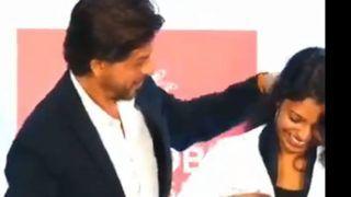 शाहरुख खान ने सुलझाए  PhD स्टूडेंट के कोट में फंसे बाल, सोशल मीडिया पर वायरल हो रहा है प्यार भरा वीडियो