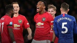 Manchester United Beat Chelsea 2-0, Keep Champions League Hopes Alive