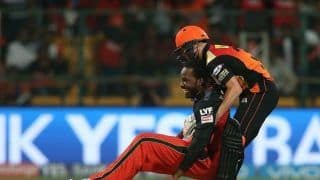 IPL 2020: Kings XI Punjab, Sunrisers Hyderabad Engage in Playful Banter Over Chris Gayle vs David Warner