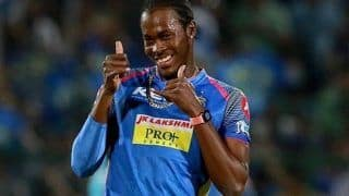 Coronavirus Effect: बल्लेबाजी के लिए मैदान में उतरे जोफ्रा आर्चर, बजा सायरन और फिर...