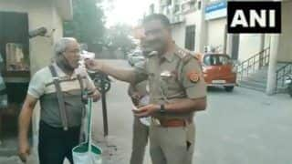 Coronavirus: Delhi Police Distributes Over 1,000 Food Packets to People Amid Lockdown | Highlights
