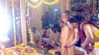 Ayodhya Ram Mandir: मंदिर निर्माण का प्रथम चरण, भव्य मंदिर में चांदी के सिंहासन पर बैठेंगे रामलला, CM योगी की गोद में पहुंचे नए स्थान पर