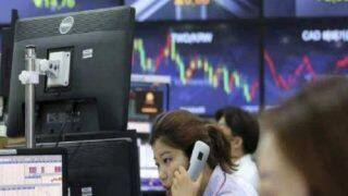 US Stocks Plummet, Dow Loses Nearly 3,000 Points Over COVID-19