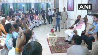 Madhya Pradesh: BJP ने गवर्नर से तत्काल फ्लोर टेस्ट की मांग, 106 MLAs की परेड कराई