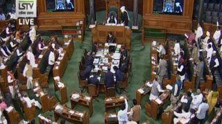 कुणाल कामरा पर एयर बैन का मामला संसद में उठा, मंत्री ने सुरक्षा को बताया सर्वोच्च