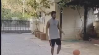 VIDEO: लॉकडाउन में क्रिकेट छोड़ बॉक्सेटबॉल का लुत्फ उठा रहे हैं केएल राहुल