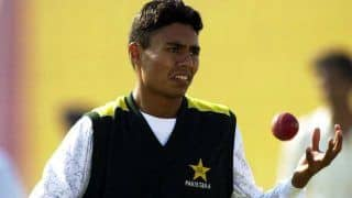 Pakistan cricketer danish kaneria and faisal iqbal engage in twitter war over religion and cricket 4002461