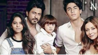 Shah Rukh Khan's Throwback Picture With Gauri, Suhana, AbRam And Aryan is Breaking The Internet