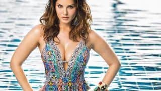 Sunny Leone Looks Uber Hot in Sexy Blue Monokini as She Strikes Seductive Pose in Latest Sultry Picture
