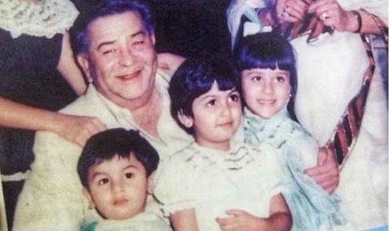Kareena Kapoor Khan Karisma Kapoor Ranbir Kapoor S Rare Childhood Pic With Raj Kapoor Is A Sight For Sore Eyes India Com