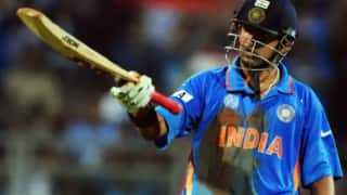 Fans slam gautam gambhir for petty tweet about ms dhonis six in world cup 2011 final 3988466