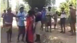 16-Year-Old Girl in Gujarat Mercilessly Thrashed For Eloping, Video Goes Viral | Watch