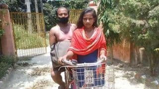 Bihar Minister Courts Controversy As He Flouts Social Distancing Norms While Honouring 'Bicycle Girl' Jyoti Kumari