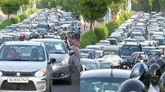 Delhi Traffic Rules: कार में पीछे बैठने वालों को भी लगाना होगा सीटबेल्ट, वरना कटेगा चालान