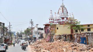 सीएम योगी आदित्यनाथ ने ढहाई गोरखनाथ मंदिर की दीवार, जानें क्यों?