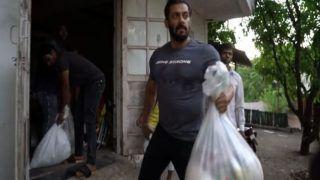 VIDEO: किसी फरिश्तेसे कम नहीं है सलमान खान, अब बैलगाड़ी और ट्रैक्टर में लदवारहे हैं बांटने कासामान