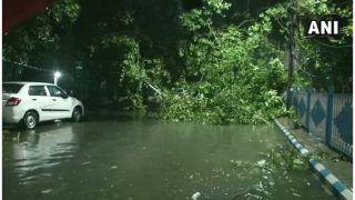 Cyclone Amphan Latest Update: अम्फान तूफान से तबाही, बंगाल में 5500 घरों को नुकसान, कोलकाता में बिजली गुल, 15 की मौत
