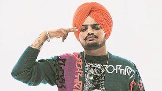 पंजाबी गायक Sidhu Moose wala सहित 5 पुलिसकर्मियों के खिलाफ केस दर्ज, शूटिंग रेंज में चलाई थी गोली