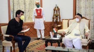Sonu Sood Meets Maharashtra Governor, Gets Full Support From Govt in His 'Ghar Bhejo' Initiative