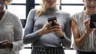 After 'Bois Locker Room' Case, CBSE Warns Teenagers Against 'Revenge Porn' & Advises Limit on Online Friendship For Cyber Safety