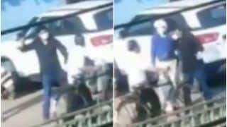 Chhattisgarh Cop Caught on Camera Brutally Hitting People For Violating Lockdown, Sent On Leave After Outrage | Watch