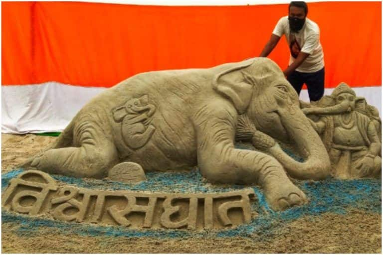 Bihar Artist Makes Sand Art Seeking Justice For Kerala Elephant, Calls the Incident a 'Blot on Humanity'