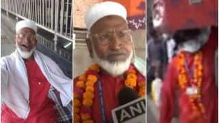 'Humanity Above All': This 80-Year-Old Coolie at Lucknow Station is Helping Migrants for Free, Internet Calls Him a Hero