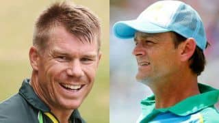 Adam gilchrist and david warner thank two indian students 4056854